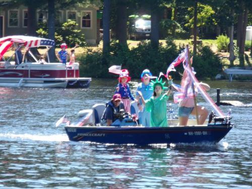 2017 boat parade 1