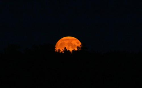 September full moon rising