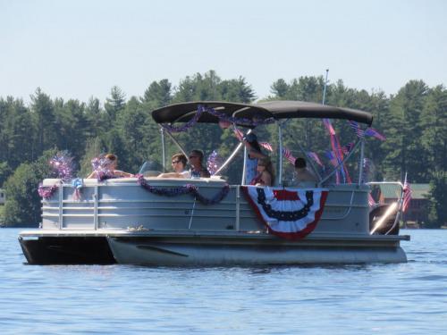 boat parade glitter